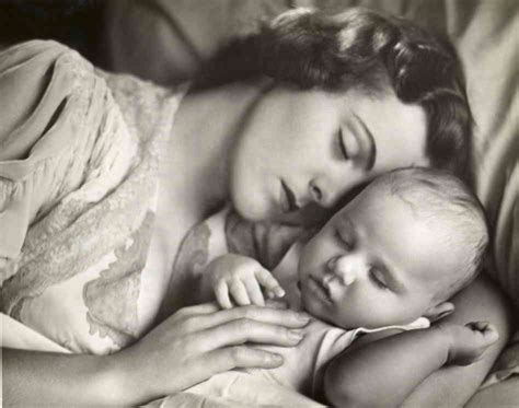 sleeping mother picture 6