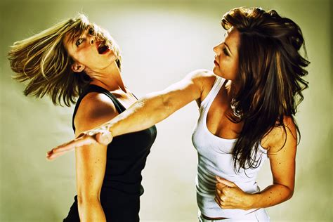 female fights picture 9