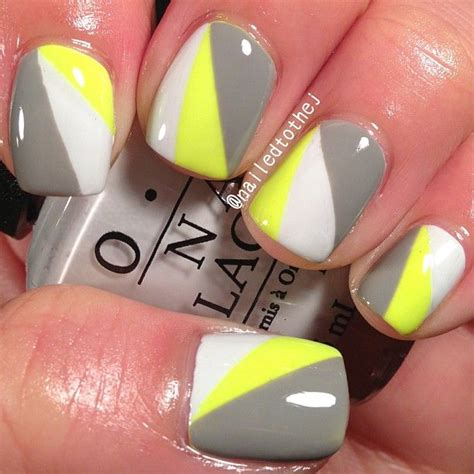 toothe whitening pens on yellow nails picture 11