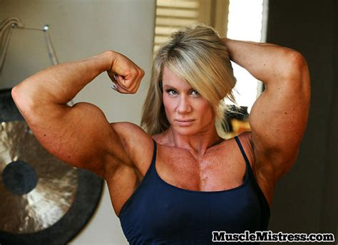 body muscles dominant women picture 3