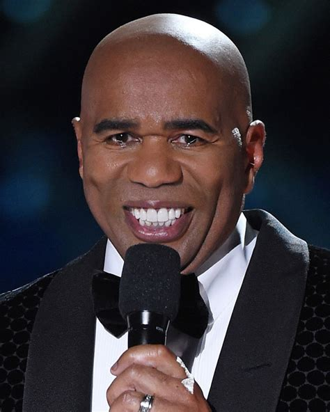 steve harvey is starting to get face wrinkles picture 3