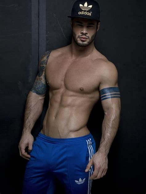 muscular arab men picture 5