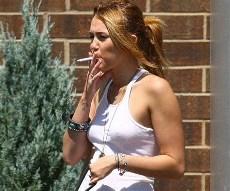 which celebrities smoke picture 3