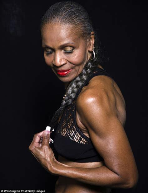black female bodybuilder picture 5