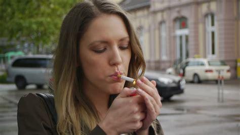 women that smoke methel cigarettes picture 7