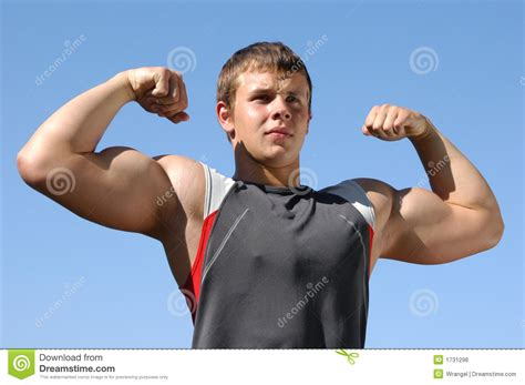 flexing muscle boys picture 5