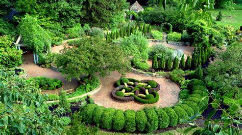 diane galloway herbal garden picture 1
