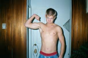 flexing muscle boys picture 7