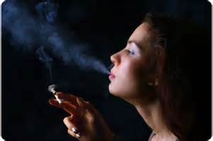 women who smoke more cigarettes picture 3