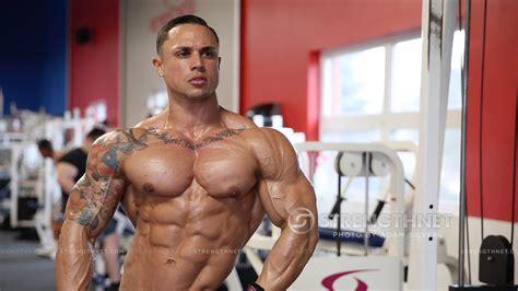 bodybuilder axal agabo picture 1