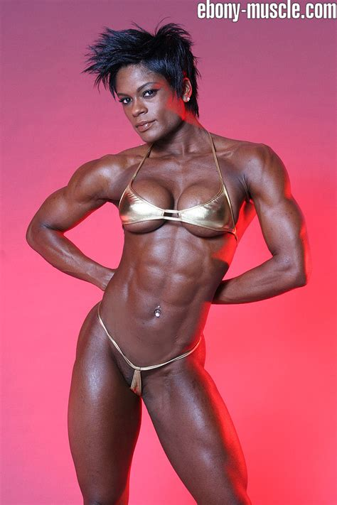 black women bodybuilder in mauricius show picture 8