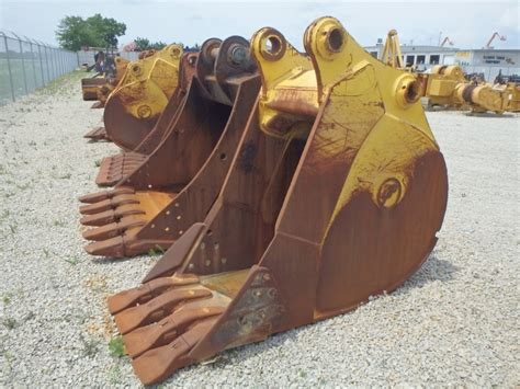 central fab back hoe bucket teeth picture 2