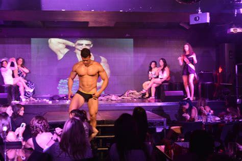 can i blow a male stripper picture 12