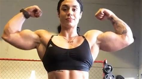 female muscles picture 5