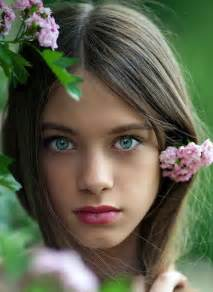 brown hair green eyes girl picture 19
