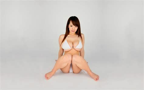 watch online free hitomi tanaka picture 10