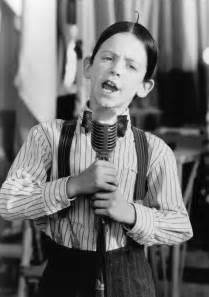 alfalfa and y sings just an echo in picture 2