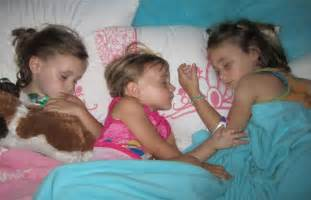 girls sleeping s picture 5