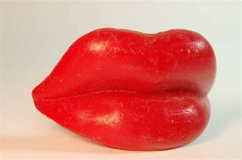 wax candy lips picture 3