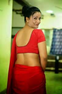 deep cleavage bra side view actress saree picture 6