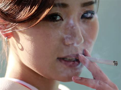 high risk behaviors and women who smoke picture 5