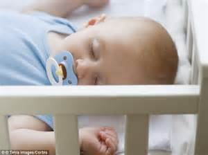 do not sleep with infant in same bed picture 2