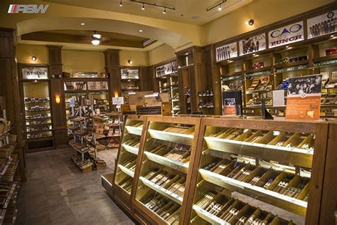 famous smoke shop picture 2