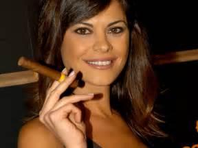 girls smoke cigar in eroprofile picture 7