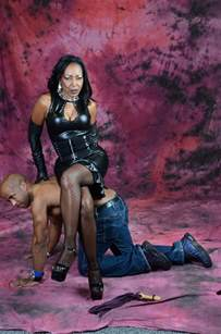 ballbusting club domin picture 9