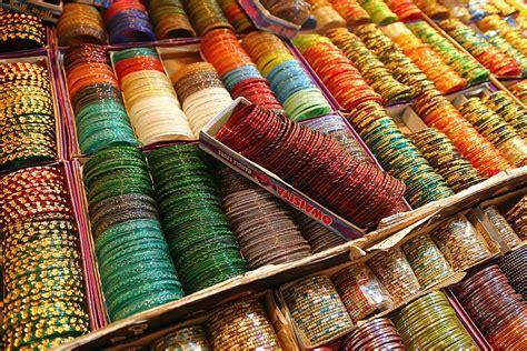 chudi market ki shop me picture 13