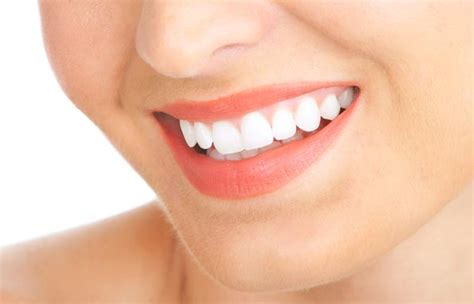 what kind of lip gloss can make your teeth whiter picture 8