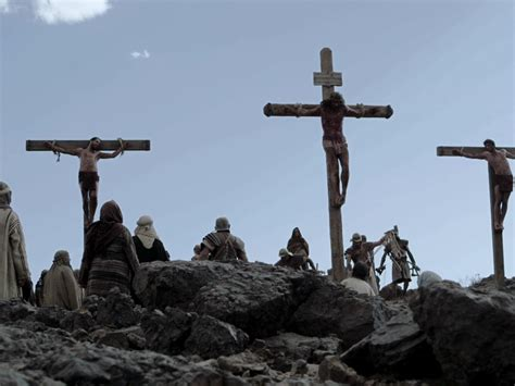 women agree to be crucified picture 3