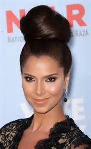 roselyn sanchez with lipgloss on picture 1