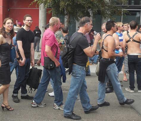 women men flashing street feastable picture 17