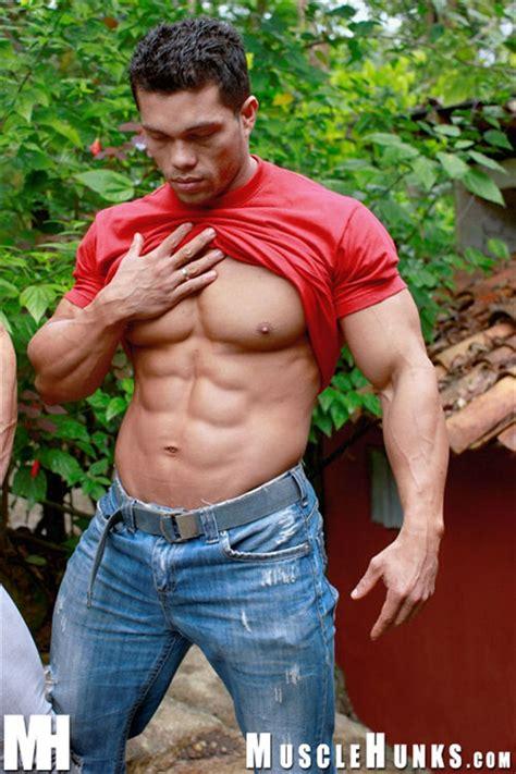 angel cordoba - bodybuilder picture 3