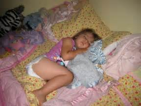girls sleeping s picture 9