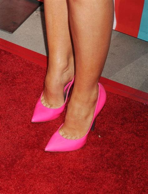 feetand picture 1