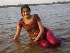 hot hd public bath picture of desi girl picture 7