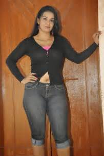 desi indian aged women navel picture picture 3