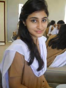 universetiy of karachi sexsy hot garlis picture 13
