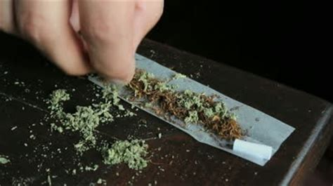 roll a joint picture 1