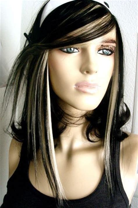 black hair with blonde streaks picture 2