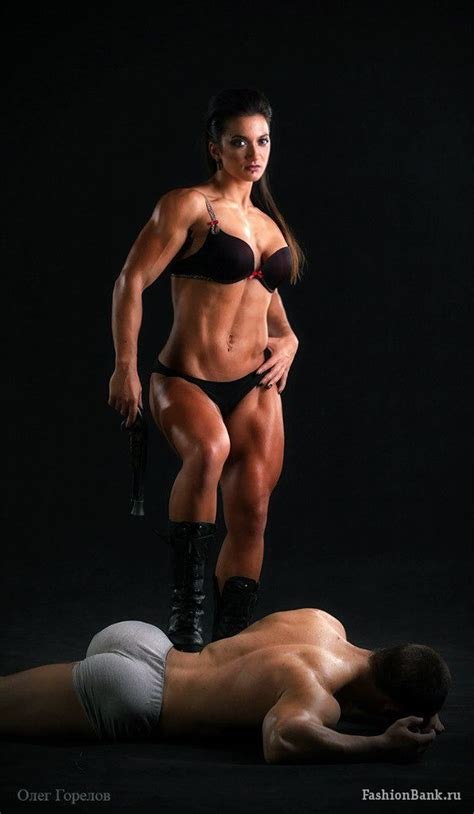 wrestling female with muscles picture 3