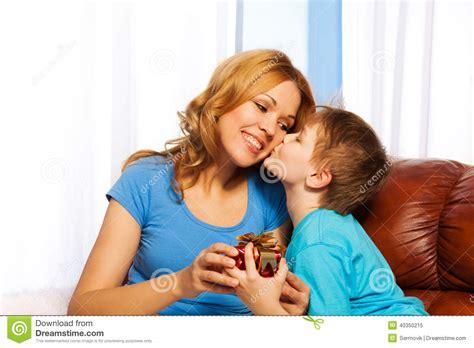 free mom son depth picture 9