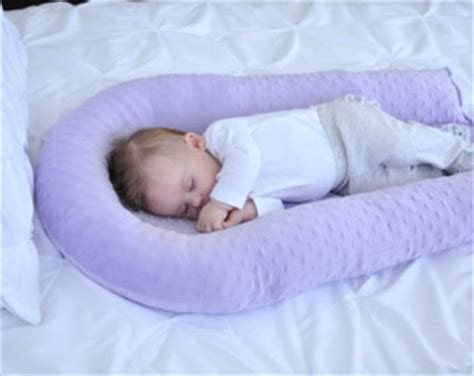 can babies sleep with a pillow picture 4