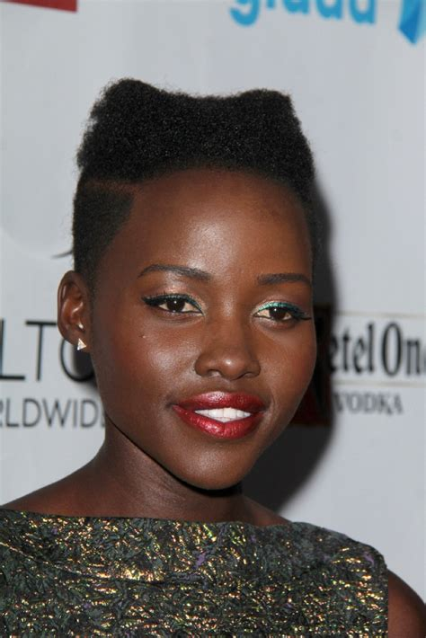celebs with short natural hair picture 14