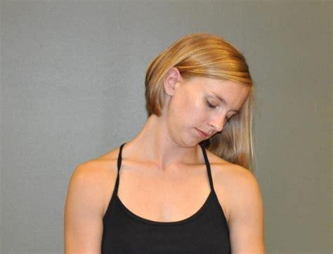 shoulder stretch marks picture 2