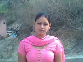 desi aunty outdoor bath mms picture 19