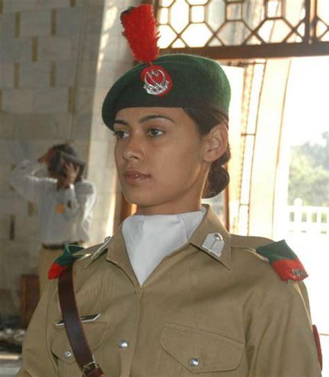 hi profile army women ko choda hindi sexy picture 4