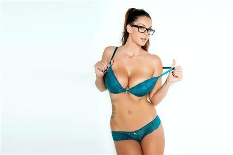 breast exspansion kiar mia picture 2